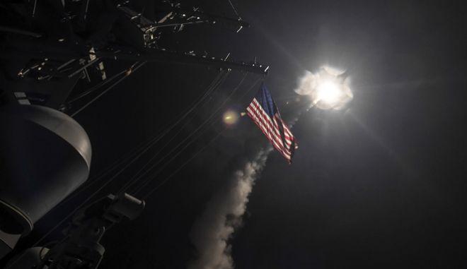 Φωτογραφία Αρχείου, Πύραυλος εκτοξεύεται από πλοίο του Αμερικανικού Ναυτικού