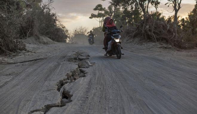 """Σεισμός 6,3 Ρίχτερ """"ταρακούνησε"""" πάλι το νησί Λομπόκ"""