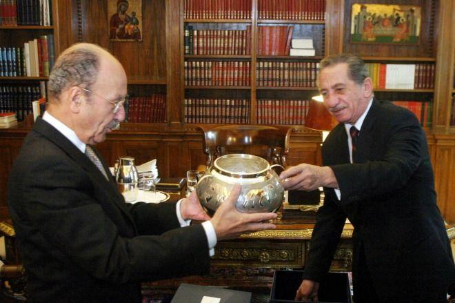 Αντίο κύριε Πρόεδρε: Η συνάντηση Στεφανόπουλου με τους Schooligans