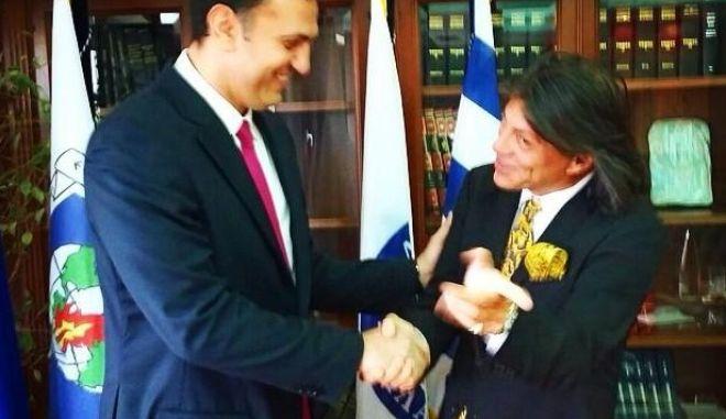 Ψινάκης για Κικίλια: Τα σπάει ο υπουργός!