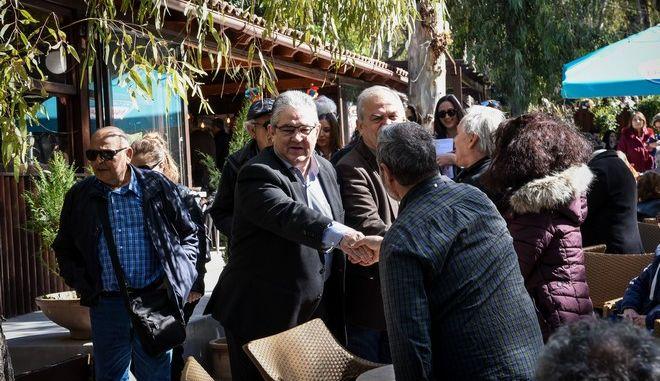 """Ο γενικός γραμματέας της Κ.Ε. του ΚΚΕ, Δημήτρης Κουτσούμπας, στο Πάρκο Άη Γιάννη """"Ξύλινα"""", στην Καισαριανή"""