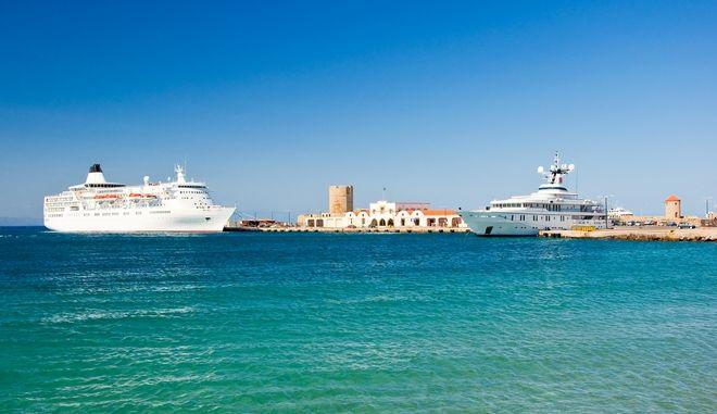 Το λιμάνι της Ρόδου