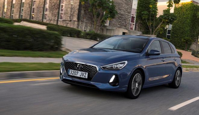 Hyundai i30: Στα ίσια απέναντι στον ανταγωνισμό