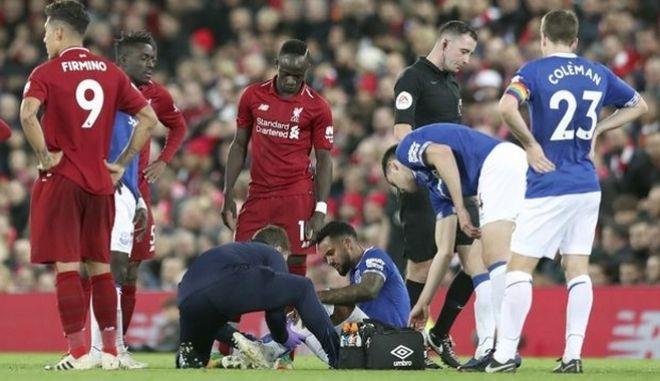 Ανήσυχοι οι γιατροί στην Premier League για την επιστροφή των ομάδων στην δράση. AP Photo/Jon Super