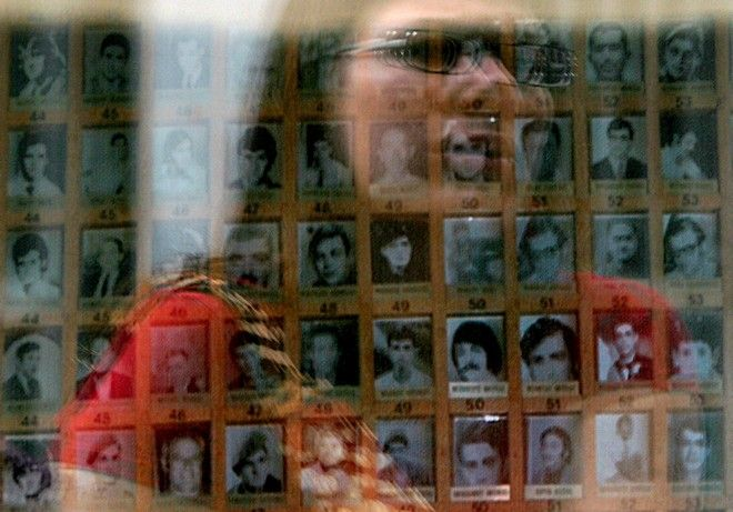 Φωτογραφίες των αγνοουμένων στην Πράσινη Γραμμή στη Λευκωσία