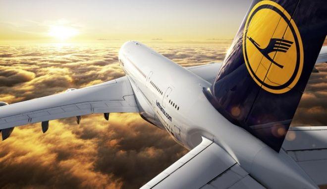 CGI: Air-to-air Motiv der Lufthansa A380./CGI: air-to-air image of the Lufthansa A380.