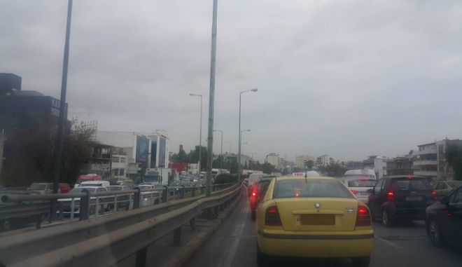 Κίνηση στους δρόμους: Κυκλοφοριακό μπλακ άουτ λόγω απεργίας