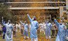 Γιατροί στην Ινδία (AP Photo/Rajanish Kakade)