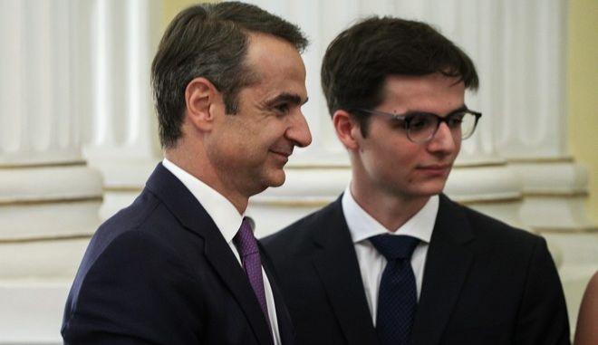 Ο Κυριάκος Μητσοτάκης με τον γιο του, Κωνσταντίνο