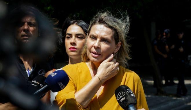 Η νέα υφυπουργός Προστασίας του Πολίτη Κατερίνα Παπακώστα μετά την ορκομωσία