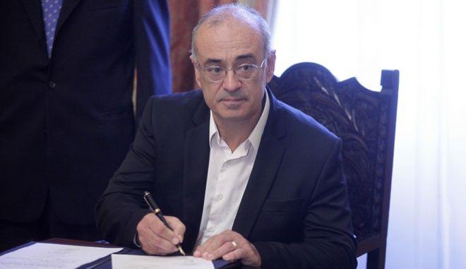 Ορκωμοσία των Ιωάννη Μουζάλας, ως Αναπληρωτή υπουργό Εσωτερικών και Διοικητικής Ανασυγκρότησης,  Δημήτρη Μάρδα, ως υφυπουργού Εξωτερικών και Παναγιώτη Σγουρίδη, ως υφυπουργού Υποδομών, Μεταφορών και Δικτύων την Παρασκευή 25 Σεπτεμβρίου 2015, στο Προεδρικό Μέγαρο. (EUROKINISSI/ΓΙΩΡΓΟΣ ΚΟΝΤΑΡΙΝΗΣ)