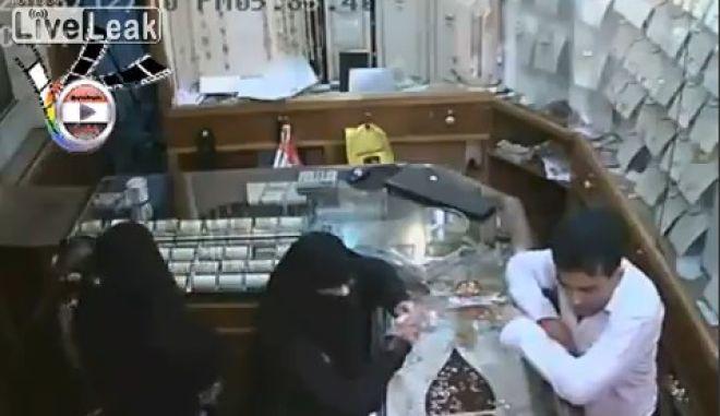 Βίντεο: 6χρονη κλέβει 150.000 δολάρια