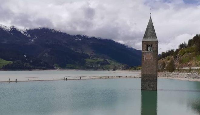 Ιταλία: Μεσαιωνικό χωριό αποκαλύφθηκε μέσα από λίμνη - μαγευτικές εικόνες