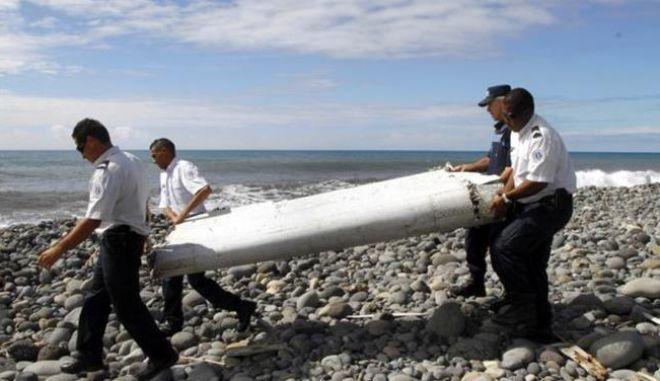 Πτήση MH370: Το πτερύγιο που βρέθηκε στον Ινδικό Ωκεανό ανήκει σε Boeing 777