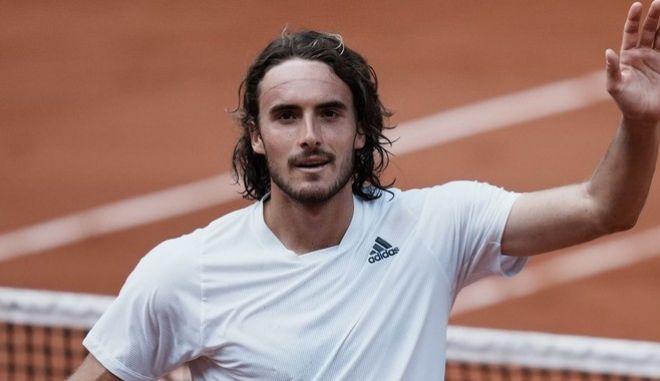 """Τσιτσιπάς - Καρένιο Μπούστα 3-0: Ασταμάτητος Στέφανος στους """"8"""" του Roland Garros"""