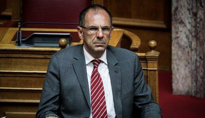 Ο υπουργός Επικρατείας Γιώργος Γεραπετρίτης στη βουλή