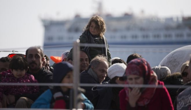 Τουρκία: 3 γυναίκες και 1 νήπιο πνίγηκαν όταν ανατράπηκε πλοιάριο