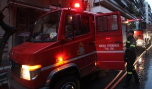 Φωτιά σε παράπηγμα στο Kορδελιό - Στο νοσοκομείο άστεγος