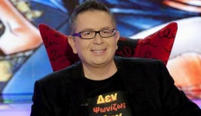 """Θέμος Αναστασιάδης: Το τηλεοπτικό του """"αντίο"""" στην τελευταία εκπομπή του"""