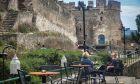 Στιγμιότυπο από καφετέρια στην Άνω Πόλη Θεσσαλονίκης