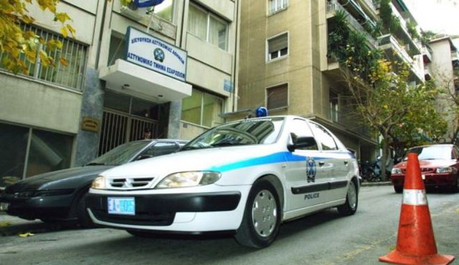 Σε αστυνομικούς του Α.Τ. Εξαρχείων στρέφονται οι έρευνες για την απώλεια των όπλων