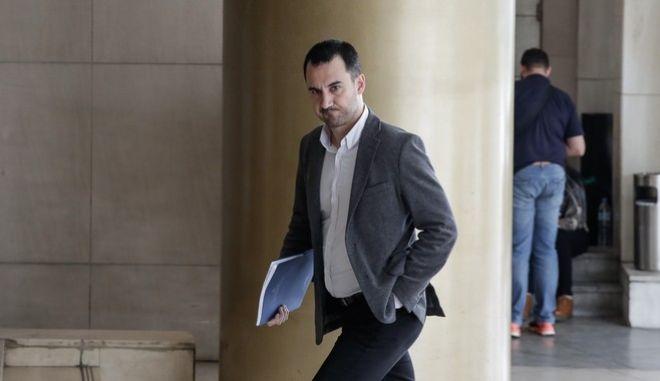 Ο αναπληρωτής υπουργός Οικονομίας Αλέξης Χαρίτσης σε συνάντηση των κυβερνητικών στελεχών με εκπροσώπους των θεσμών στο πλαίσιο της Δ' και τελευταίας αξιολόγησης του ελληνικού μνημονιακού προγράμματος