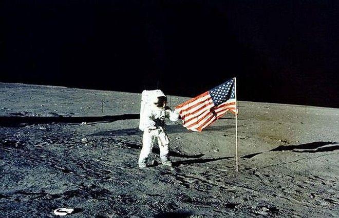 Μαθηματικός τύπος αποδεικνύει πως ο άνθρωπος πάτησε στο φεγγάρι