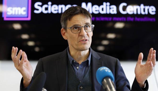 Ο νομπελίστας φυσικός Ντιντιέ Κελόζ σε εκδήλωση στο Λονδίνο τον Οκτώβριο του 2019