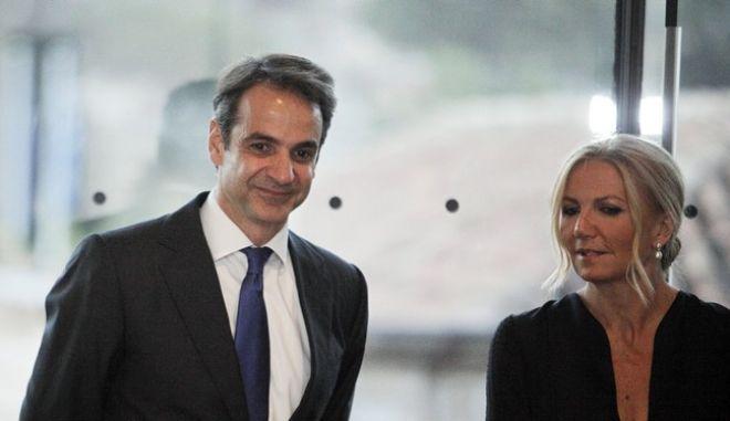 Νέα κόντρα ΣΥΡΙΖΑ - ΝΔ για το πόθεν έσχες της Μαρέβα Μητσοτάκη