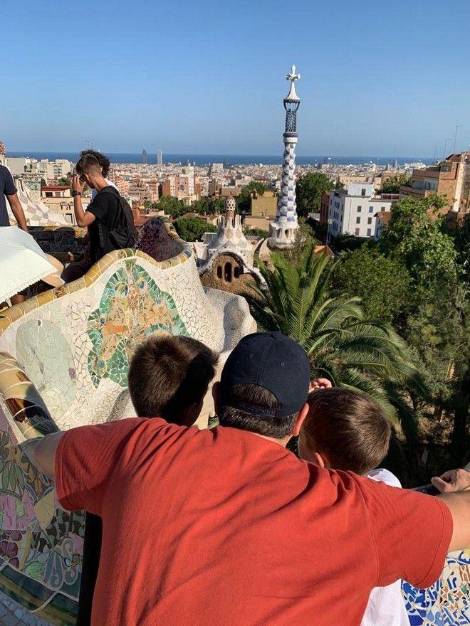Ισπανία: Στο Παρκ Γκουέλ ο Τσίπρας με τους δυο γιους του