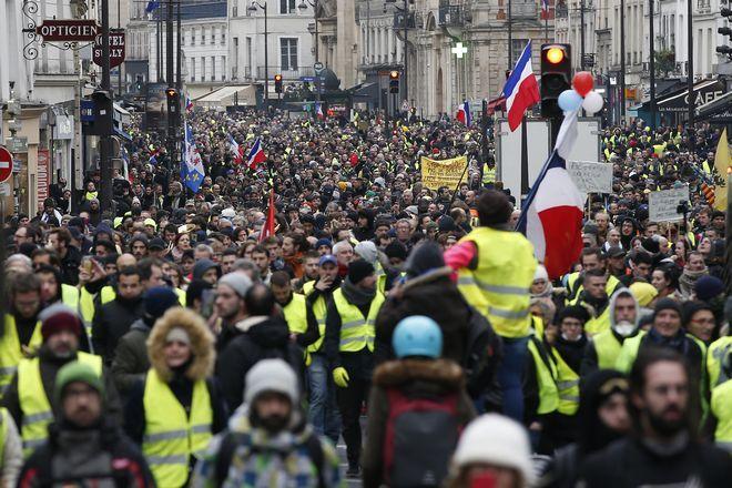 Στιγμιότυπο από τους διαδηλωτές