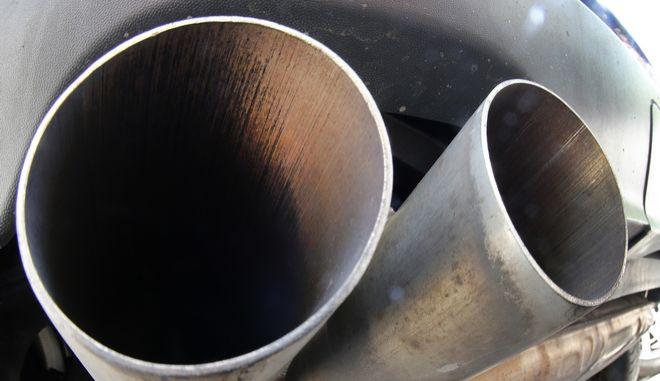Εξάτμιση αυτοκινήτου diesel