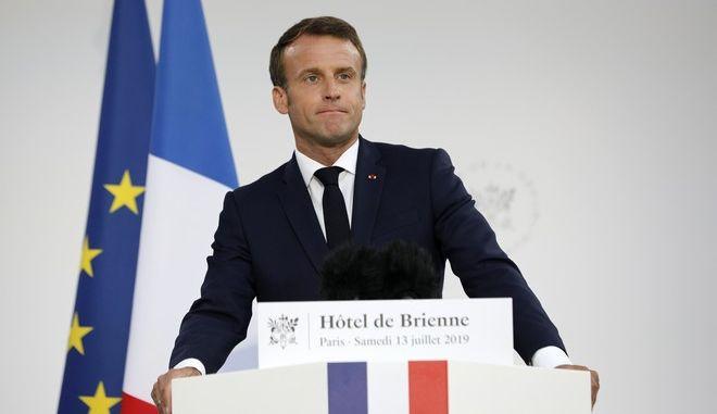 Ο Γάλλος πρόεδρος Εμανουέλ Μακρόν την παραμονή των εκδηλώσεων για την εθνική επέτειο της 14ης Ιουλίου