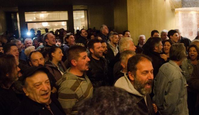 """Εισβολή και επίθεση μελών του ΠΑΜΕ εναντίον συνέδρων και μελών της Διοίκησης της Συνομοσπονδίας στο Ξενοδοχείο """"Ρόδος Παλλάς"""""""