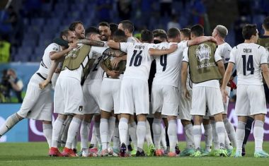 Πανηγυρισμοί της Ιταλίας μετά τη νίκη επί της Τουρκίας στην πρεμιέρα του Euro 2020