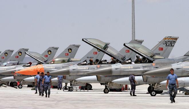 Μαχητικά αεροσκάφη F- 16 της τουρκικής πολεμικής αεροπορίας