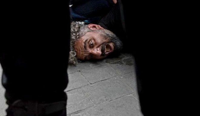 Τουρκία: Φωτορεπόρτερ κατήγγειλε ότι αστυνομικοί επιχείρησαν να τον σκοτώσουν