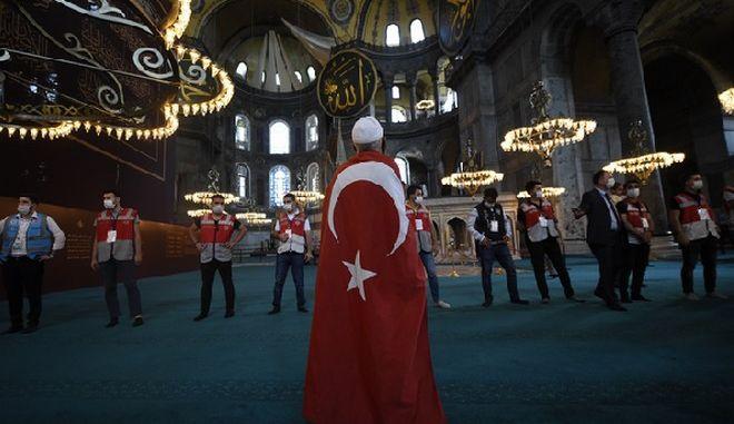 Αγία Σοφία: Ανοιχτή 24 ώρες το 24ωρο με εντολή Ερντογάν