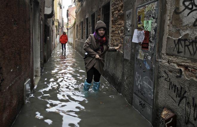Εικόνες από την πλημμυρισμένη Βενετία
