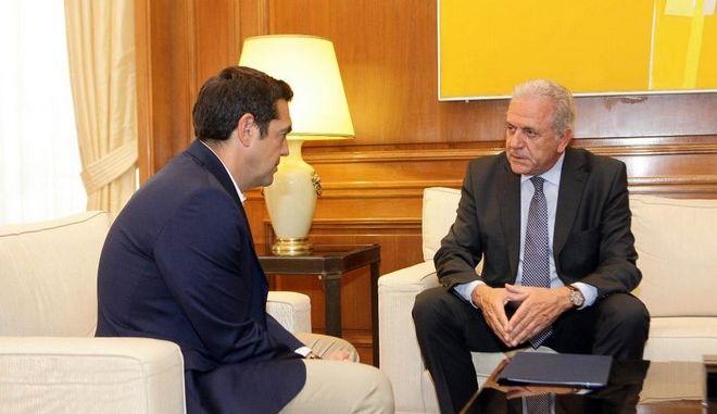 Αβραμόπουλος: Σαφής βελτίωση στο προσφυγικό
