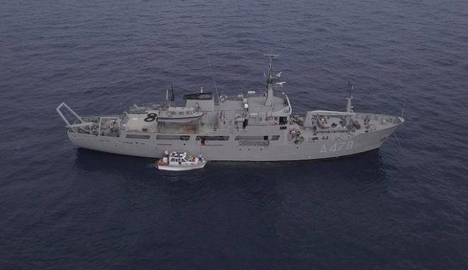 Εικόνα από την επιχείρηση ανέλκυσης του ιστορικού ναυαγίου του υποβρυχίου Κατσώνης.