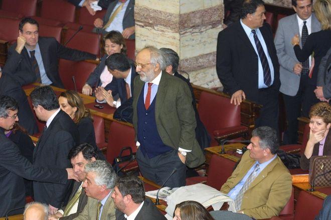 Ο Αλέξανδρος Λυκουρέζος στη Βουλή