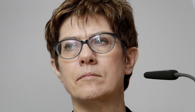H αρχηγός του CDU Άνεγκρετ Κραμπ - Καρενμπάουερ