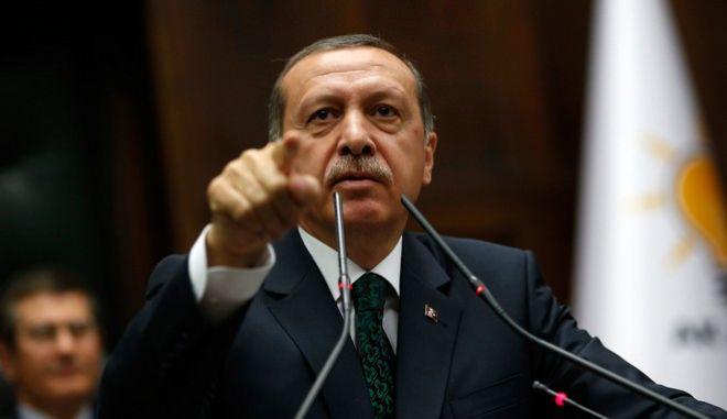 Ο Ερντογάν αποκαλεί 'προδότη' βουλευτή που αποκάλυψε σε ρωσικά ΜΜΕ ότι η κυβέρνηση διευκολύνει το ISIS