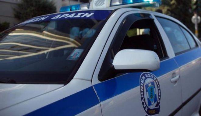Χανιά: Πήγαν να τον συλλάβουν και τους δάγκωσε