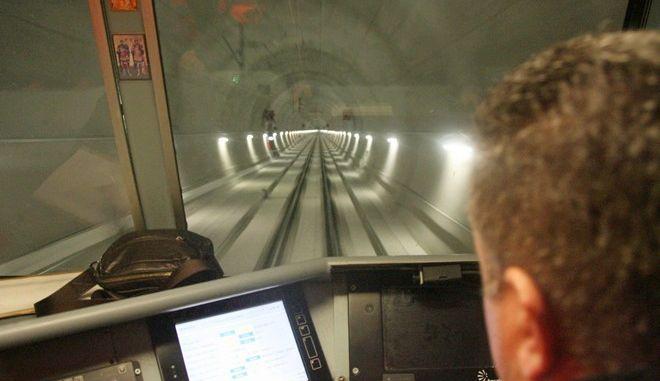 Ο υπουργός Υποδομών και Μεταφορών κ. Χρήστος Σπίρτζης επισκέφθηκε το κεντρικό εργοτάξιο του έργου της νέας διπλής Σιδηροδρομικής Γραμμής υψηλών ταχυτήτων Τιθορέα β Λιανοκλάδι β Δομοκός για να επιθεωρήσει την εξέλιξη και την πρόοδο των κατασκευαστικών εργασιών του έργου, την Δευτέρα 8 Ιανουαρίου 2018.  (EUROKINISSI)