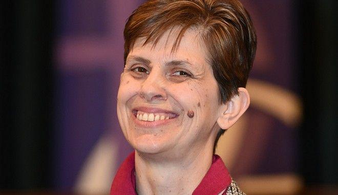 Χειροτονήθηκε η πρώτη γυναίκα επίσκοπος της Αγγλικανικής Εκκλησίας