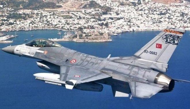 Νέα παραβίαση από τουρκικά αεροσκάφη στο Αιγαίο