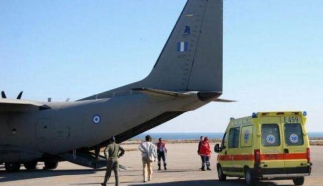 Αεροδιακομιδή σωτηρίας για δύο τραυματίες από τη Σαντορίνη στο Ηράκλειο