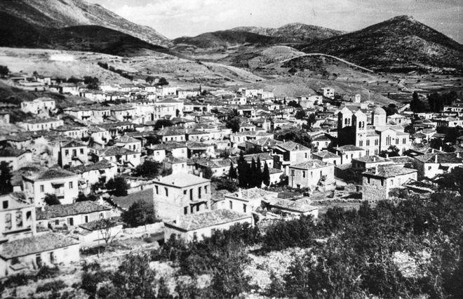 ÃÅÑÌÁÍÉÁ - ÁÐÏÑÑÉØÇ ÁÐÏ ÔÏ ÁÍÙÔÁÔÏ ÃÅÑÌÁÍÉÊÏ ÄÉÊÁÓÔÇÑÉÏ ÁÉÔÇÓÇÓ ÊÁÔÁÂÏËÇÓ ÁÐÏÆÇÌÉÙÓÇÓ ÃÉÁ ÔÇÍ ÓÖÁÃÇ ÓÔÏ ÄÉÓÔÏÌÏ. ÓÔÇ ÖÙÔÏ ÔÏ ÄÉÓÔÏÌÏ ÏÐÏÕ ÔÏ 1944 ÏÉ ÍÁÆÉ ÅÊÔÅËÅÓÁÍ 214 ÅËËÇÍÅÓ. ** FILE ** The Greek village Distomo, where a 1944 Nazi massacre took place, is seen in this undated file picture. In World War II German soldiers killed 214 people as punishment for an attack by partisans. Germany's highest criminal court on Thursday, June 26, 2003 rejected a compensation claim by four Greeks whose relatives were among the victims. (AP Photo/fls)  ** B/W ONLY **